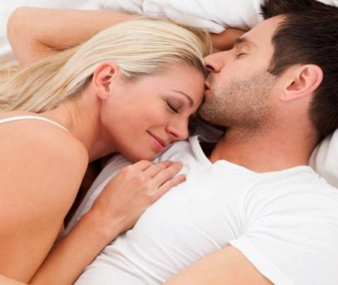 Έρευνα: Τα αγαπημένα και ευτυχισμένα ζευγάρια κάνουν καλύτερο ύπνο