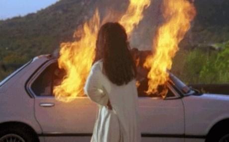 Έβαλε φωτιά στο αυτοκίνητο της πρώην του