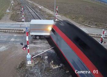 treno 1536x935 1
