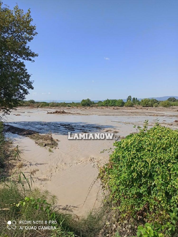 """Γοργοπόταμος: Μεγάλα προβλήματα στις καλλιέργειες μετά το """"σπάσιμο"""" του Σπερχειού (Φώτο)"""