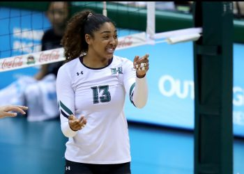 during the NCAA Women's Volleyball Match between the UC Riverside Highlanders and the Hawai'i Rainbow Wahine on Saturday, Sept. 29, 2018 at the Stan Sheriff Center in Honolulu, HI. (Photo by Andrew Lee / HMS WIRE)
