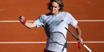 Tennis - ATP 500 - Hamburg European Open - Am Rothenbaum, Hamburg, Germany - September 24, 2020    Greece's Stefanos Tsitsipas celebrates winning his second round match against Uruguay's Pablo Cuevas  REUTERS/Cathrin Mueller