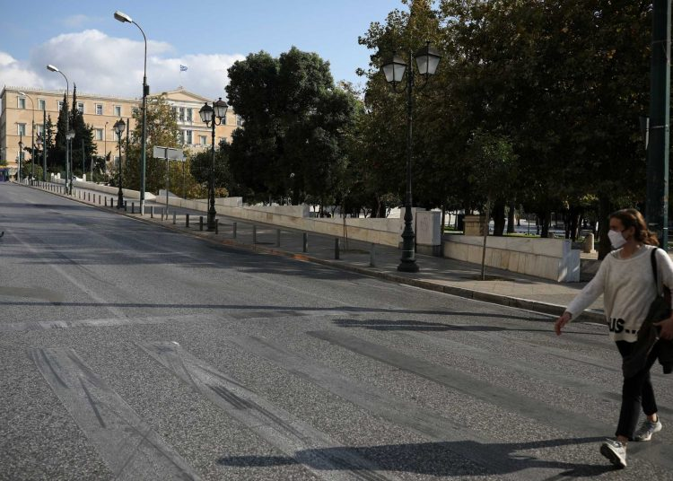 syntagma lockdown 2048x1365 1