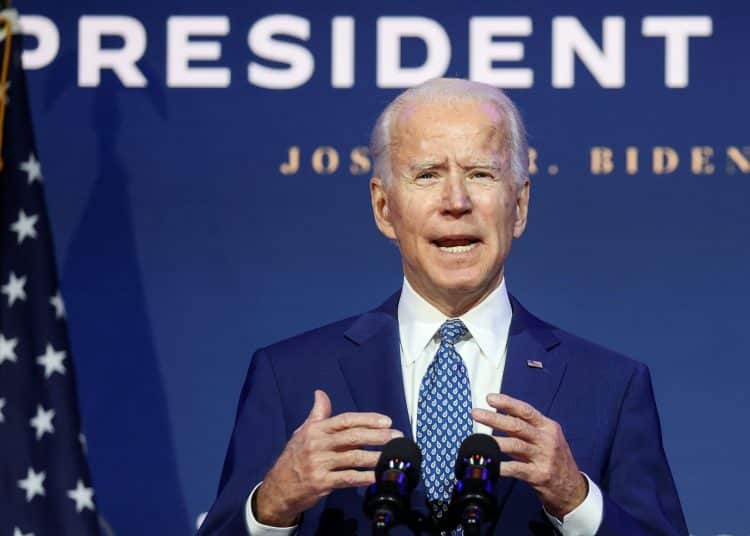 """U.S. President-elect Joe Biden speaks to reporters about efforts to confront the coronavirus disease (COVID-19) pandemic after meeting with members of his """"Transition COVID-19 Advisory Board"""" in Wilmington, Delaware, U.S., November 9, 2020. REUTERS/Jonathan Ernst"""