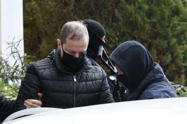 Ο Δημήτρης Λιγνάδης στον ανακριτή, έπειτα από την σύλληψη του για βιασμό κατά συρροή, Δικαστήρια Ευελπίδων, Αθήνα, 21 Φεβρουαρίου 2021.