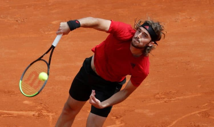 Tennis - ATP Masters 1000 - Monte Carlo Masters - Monte-Carlo Country Club, Roquebrune-Cap-Martin, France - April 13, 2021 Greece's Stefanos Tsitsipas in action during his second round match against Russia's Aslan Karatsev REUTERS/Eric Gaillard