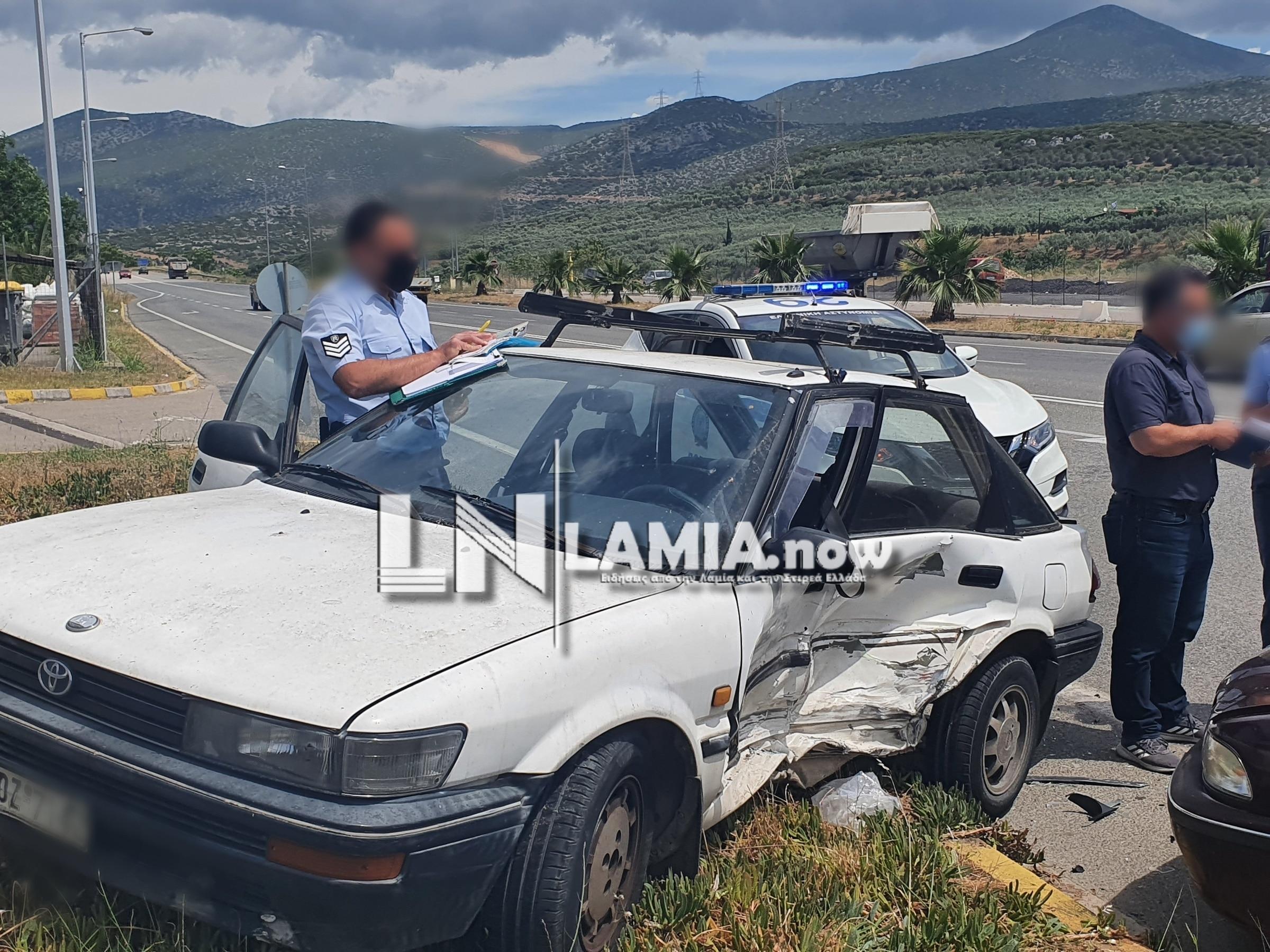 Λαμία: Τράκαραν δύο παππούδες οδηγοί – Σοβαρά τραυματίας ο ένας (pics)