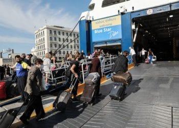Αναστολή της απεργιας της ΠΕΝΕΝ στο λιμάνι του Πειραιά, την Πέμπτη 3 Ιουνίου 2021. (EUROKINISSI/ΓΙΑΝΝΗΣ ΠΑΝΑΓΟΠΟΥΛΟΣ)