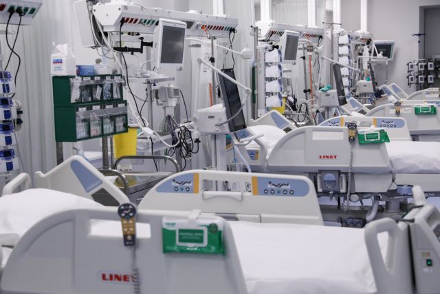 The Prime Minister of Greece, Kyriakos Mitsotakis, visits the new ICU ward at KAT General Hospital, in Athens, on Feb. 4, 2021 / Επίσκεψη του Πρωθυπουργού Κυριάκου Μητσοτάκη στις νέες κλίνες ΜΕΘ του Γενικού Νοσοκομείου Αττικής ΚΑΤ, στην Αθήνα, στις 4 Φεβρουαρίου, 2021