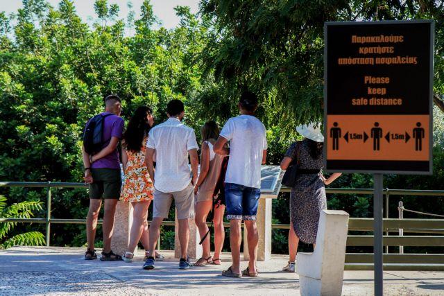 Στιγμιότυπα από το ιστορικό κέντρο της Αθήνας, Μοναστηράκι, Αρχαία Αγορά, Πλάκα, τουριστική κίνηση και εστίαση, Τρίτη 13 Ιουλίου 2021  (ΓΙΕΝΑΝΤΑ ΝΤΕΛΑΙ /EUROKINISSI)