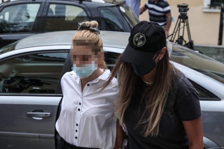Απολογία στον ανακριτή της 30χρονης και του 32χρονου συντρόφου της που κατηγορούνται για κατοχή και διακίνηση μεγάλης ποσότητας κοκαΐνης, Δευτέρα 13 Σεπτεμβρίου 2021. (EUROKINISSI/ΒΑΣΙΛΗΣ ΡΕΜΠΑΠΗΣ)