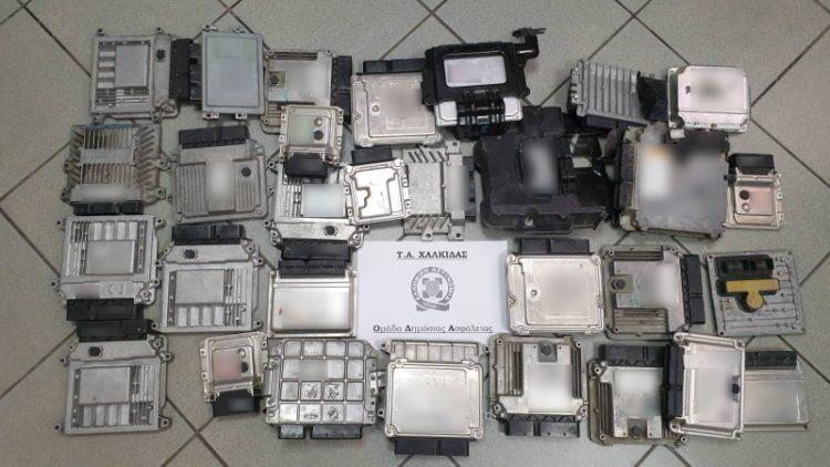Στερεά Ελλάδα : Εξιχνιάσθηκαν συνολικά 11 κλοπές οχημάτων – Εμπλέκεται ιδιοκτήτης μάντρας ανταλλακτικών